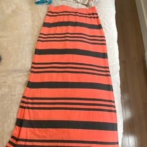 Dresses & Skirts - Longue jupe